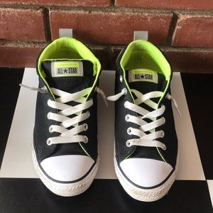 """Converse Junior """"no time to lace"""" low tops"""
